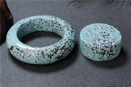 绿松石怎样挑选?如何挑选极品绿松石?