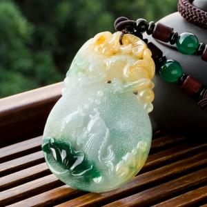 糯冰种黄加绿翡翠连年有余手把件