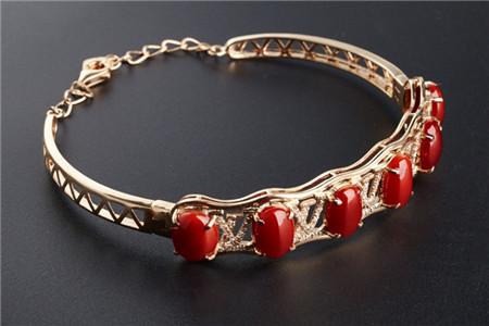 红珊瑚手链怎样保养,这样保养红珊瑚手链越戴越漂亮!