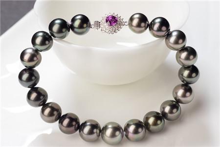 天然珍珠手链有哪些功效与作用,佩戴天然珍珠手链要注意些什么?