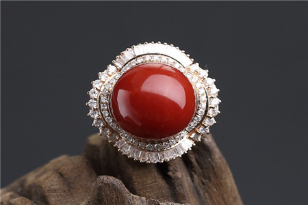 紅珊瑚飾品假貨多,怎樣鑒別紅珊瑚飾品真假?