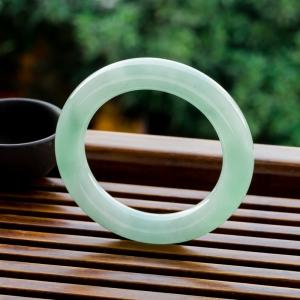 57mm糯冰種淺綠翡翠圓鐲