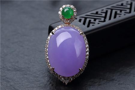 紫罗兰翡翠吊坠怎样挑选?什么样的紫罗兰翡翠吊坠好?