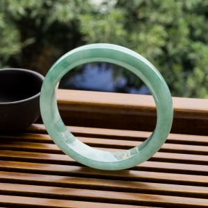59.5mm糯冰種灰綠翡翠平安鐲