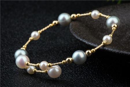女性佩戴珍珠手链的好处有哪些?珍珠手链断了怎么修补?