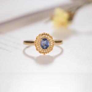 18K蓝色蓝宝石戒指