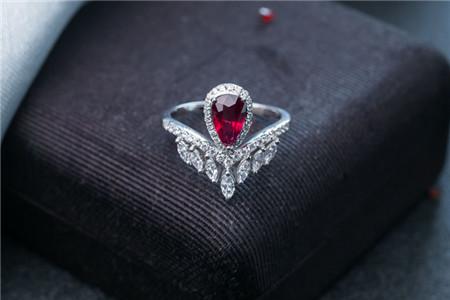 红宝石戒指款式欣赏,红宝石戒指有哪些款式?