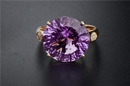 紫水晶戒指图片,挑选紫水晶戒指的3个重要步骤!