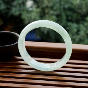 56.5mm糯冰種淺綠翡翠平安鐲