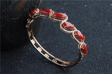 挑选一条高品质的红珊瑚手链,这些要点你不得不知!