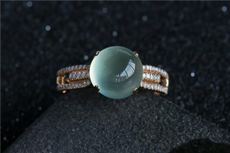 葡萄石戒指图片,葡萄石戒指相关知识