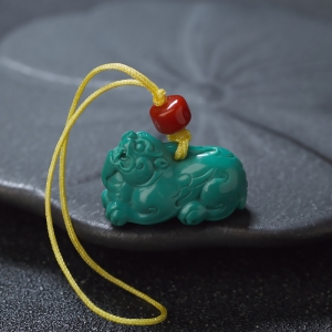 中高瓷绿色绿松石貔貅吊坠