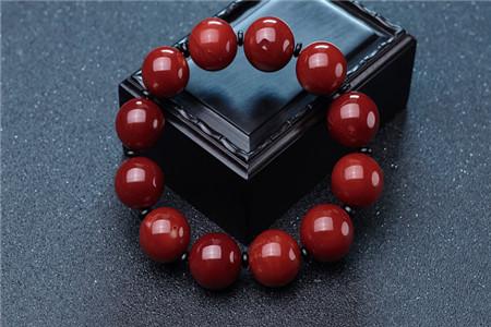 紅珊瑚手串圖片欣賞,什么是精品紅珊瑚手串!