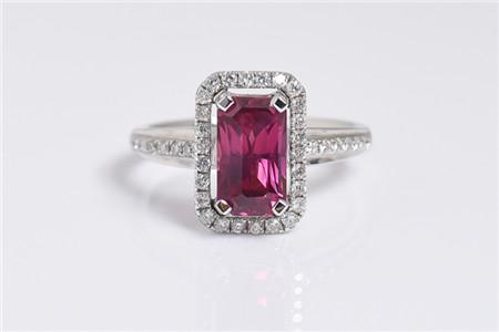 一克拉红宝石价格大概是多少钱?哪些因素影响红宝石价格