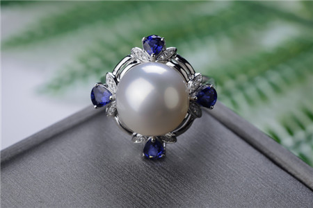高档珍珠戒指需要具备哪些特征?高档珍珠戒指多少钱一枚?