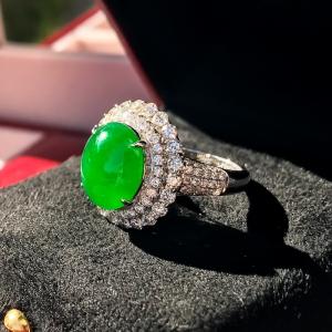 18K糯冰種翡翠翠綠戒指