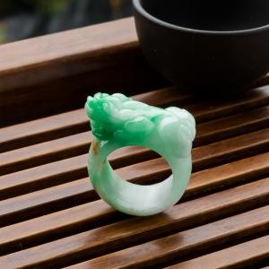 糯冰種飄翠翡翠貔貅指環