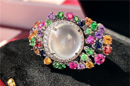 翡翠戒指图片,怎样鉴别翡翠戒指品质