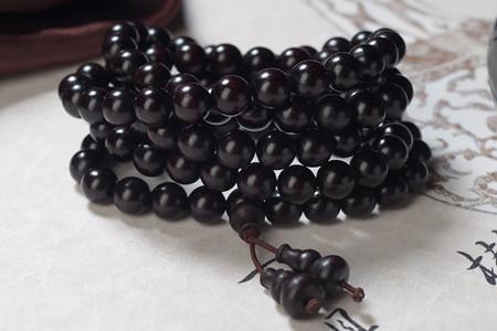 檀木佛珠一般多少钱?小叶紫檀和黑檀哪个更贵?