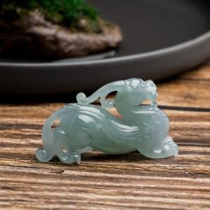 糯冰种灰绿翡翠貔貅吊坠
