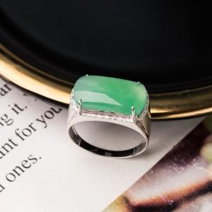 18K糯冰種淺綠翡翠戒指