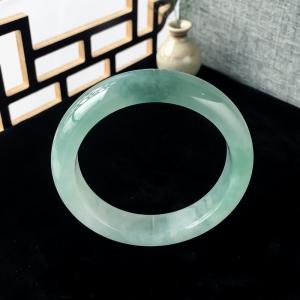 56mm糯冰种浅绿翡翠平安镯