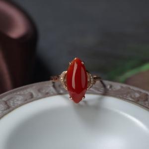 18K阿卡珊瑚马眼形戒指