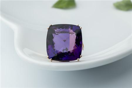 紫水晶戒指适合哪些人戴,紫水晶戒指如何挑选?