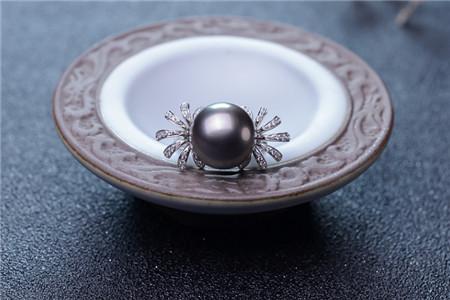 大溪地黑珍珠价格多少钱?大溪地黑珍珠为什么比较贵
