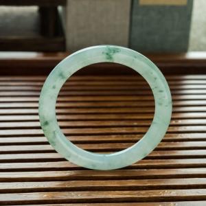 52.5mm糯冰种飘花翡翠圆镯