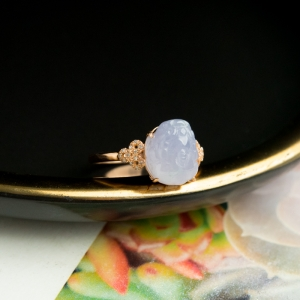 18K糯冰种紫罗兰翡翠貔貅戒指