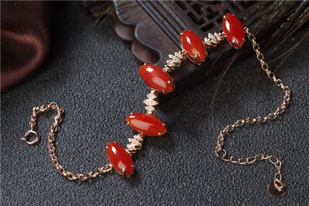 红珊瑚饰品如此惊艳,那怎样挑选红珊瑚饰品