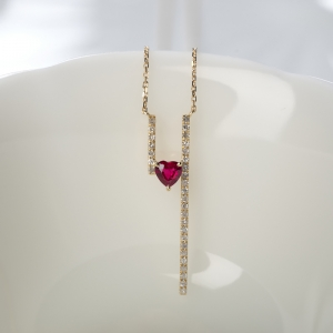 18K红宝石心形项链