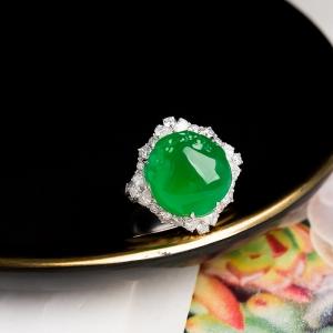 18K糯冰种阳绿翡翠貔貅戒指