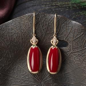 18K阿卡牛血红珊瑚耳环