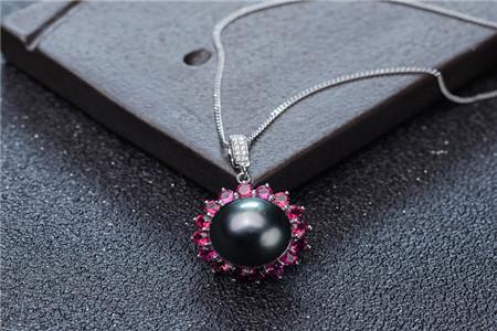 珍珠吊坠的作用与功效,戴珍珠吊坠有哪些好处?
