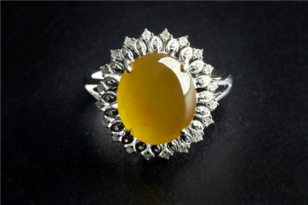 翡翠镶嵌戒指图片大全,镶嵌翡翠戒指有多美!