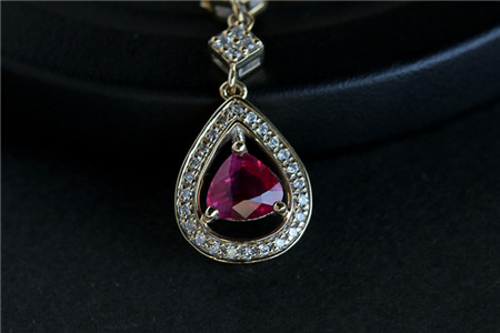 红宝石的寓意与好处,戴红宝石有哪些作用?