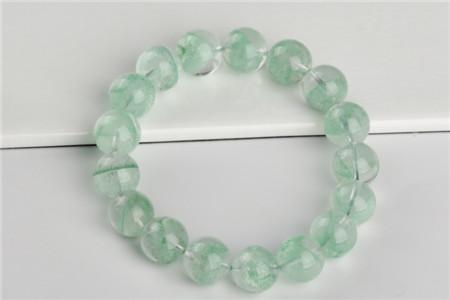 绿水晶代表什么,绿水晶的作用与功效