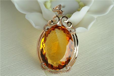 黄水晶饰品的作用和功效,黄水晶有哪些作用和功效