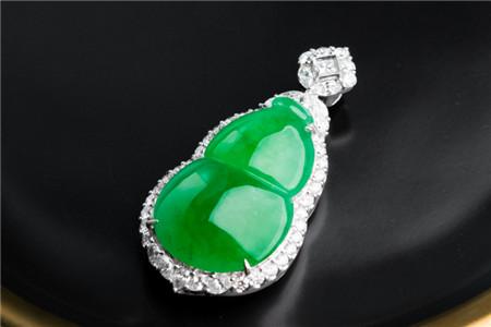 绿色翡翠挂件都很贵吗?