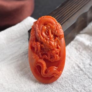 柿子红南红辰龙吊坠