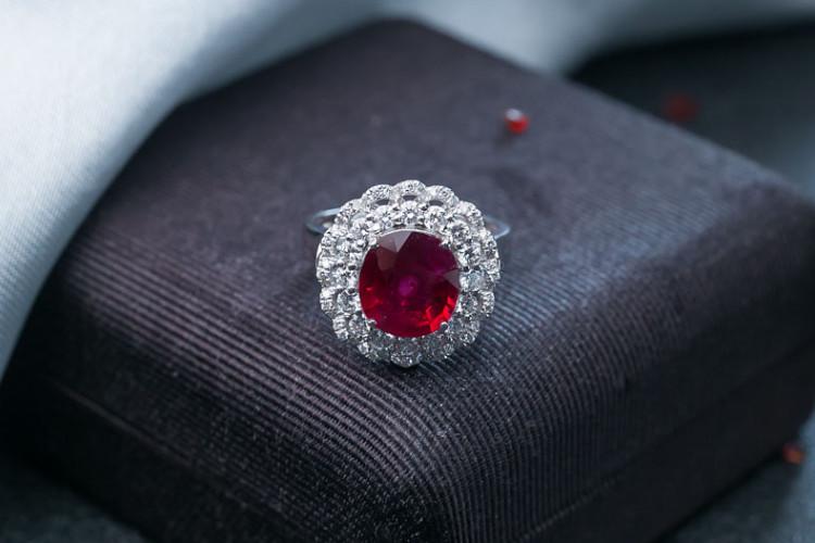 红宝石戒指价格多少钱一克拉