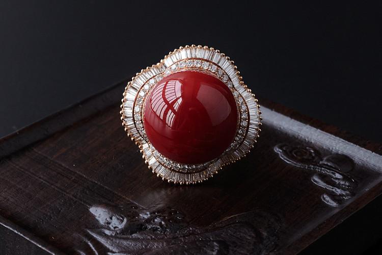 红珊瑚戒指镶嵌