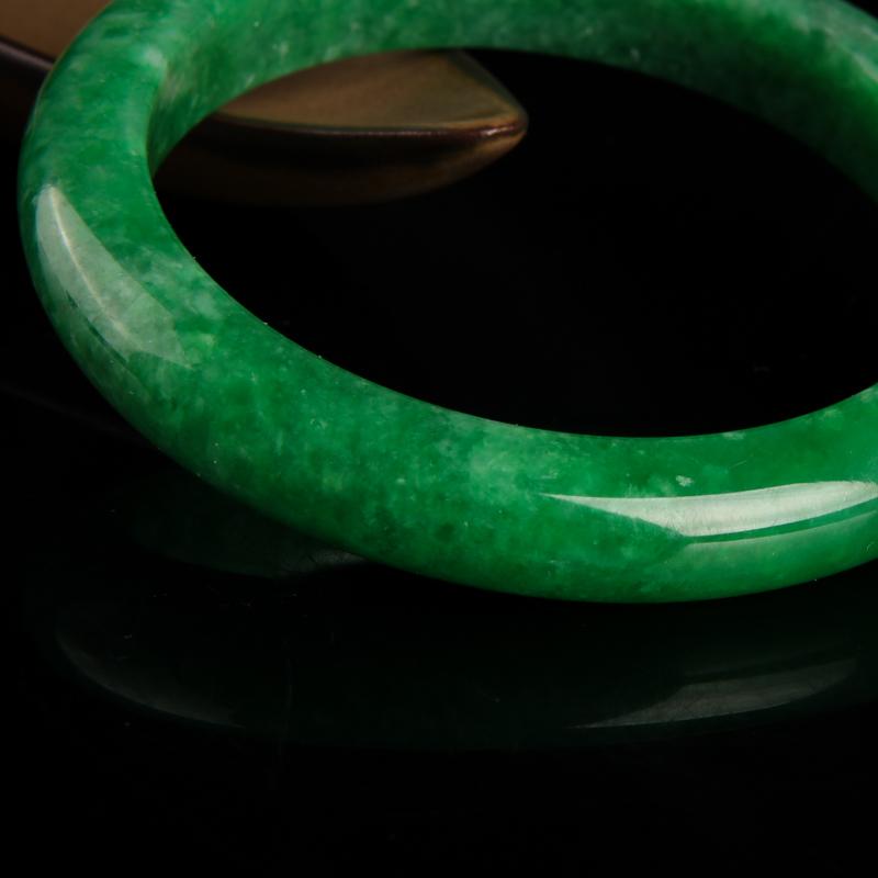 天然翠绿翡翠手镯-红掌柜