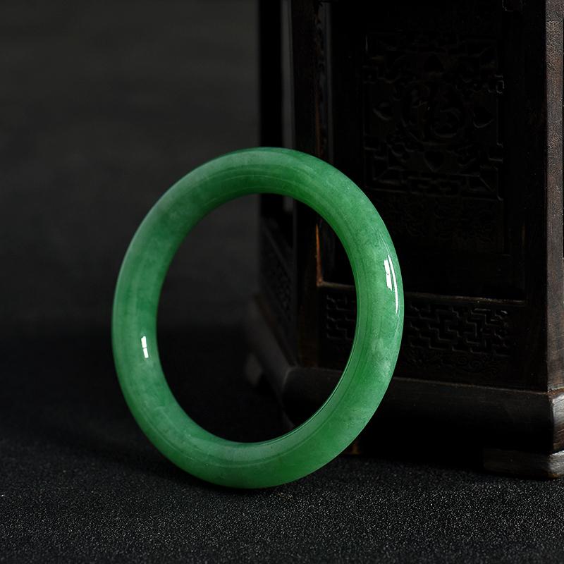 缅甸天然翠绿翡翠手镯-红掌柜