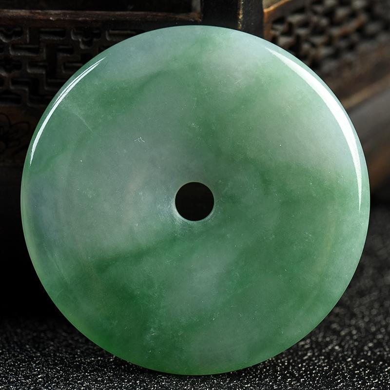 缅甸天然糯种浅绿翡翠吊坠-红掌柜
