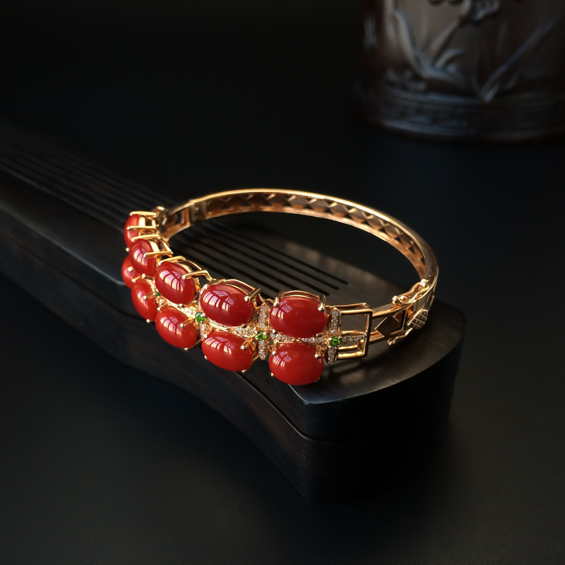 18K金鑲鉆阿卡牛血紅珊瑚手鐲 - 紅掌柜
