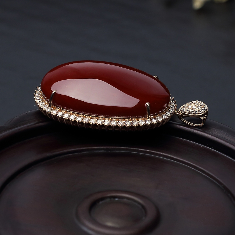 18K金镶钻日本天然阿卡珊瑚吊坠-红掌柜