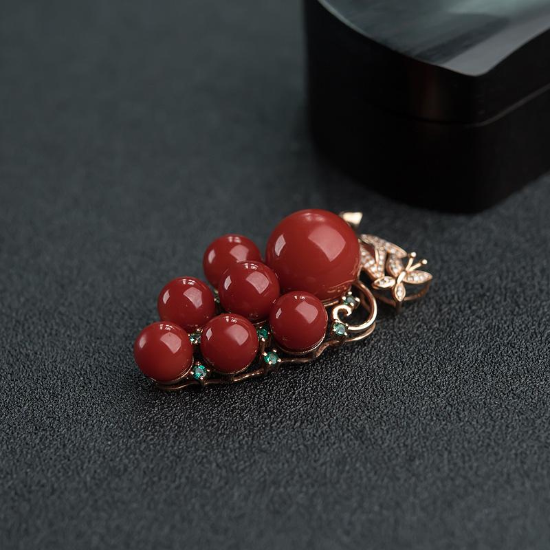 18K金镶钻日本天然阿卡珊瑚葡萄吊坠-红掌柜